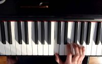 Leçon de piano n°2 : Tutoriel boogie facile