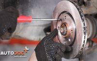 Changer disques de frein avant et plaquettes de frein PEUGEOT 406 TUTORIEL | AUTODOC