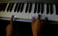 LEçON DE PIANO N°2 (Apprendre à jouer, cours simples)